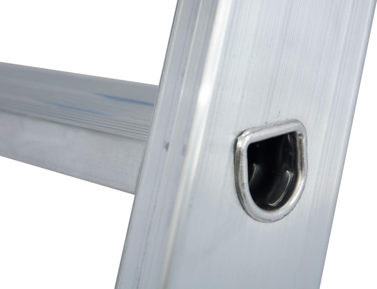 Aluminiowa wolnostojąca drabina jezdniowa 1x10 wpustowe łączenie
